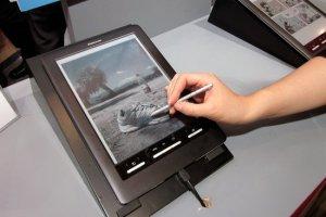 Hanvon представит первый ридер для чтения книг с цветным Triton e-paper дисплеем